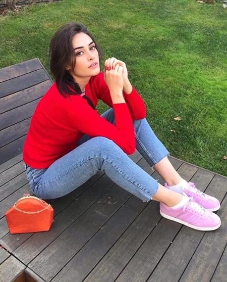 Esra Bilgic Height Weight Stats