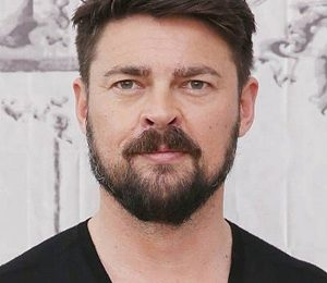 Karl Urban Height Weight Shoe Size Body Measurements Facts Family