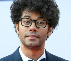 Richard Ayoade Height Weight Body Measurements Shoe Size Facts Bio