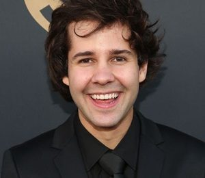 David Dobrik Height Weight Shoe Size Body Measurements Facts