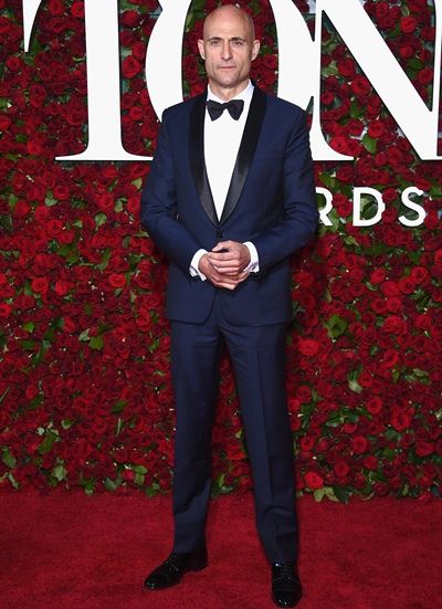Mark Strong Height Weight Shoe Size