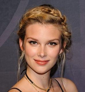 Model Emma Ishta