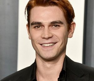 KJ Apa Height Weight Shoe Size Measurements Facts Family