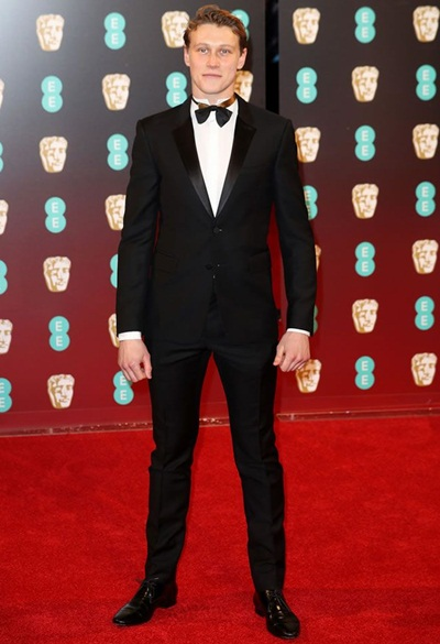 George MacKay Height Weight Stats