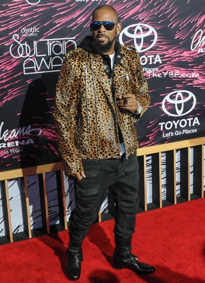 R. Kelly Height Weight Shoe Size
