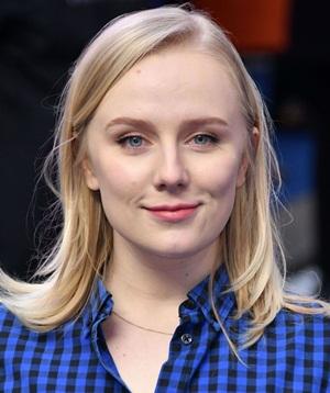 Actress Alexa Davies