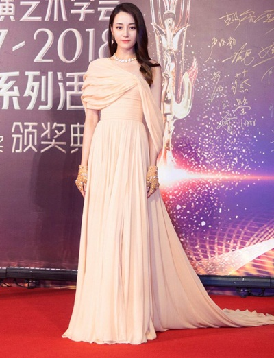 Dilraba Dilmurat Height Weight Stats