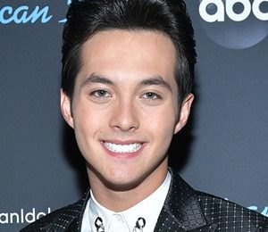 Laine Hardy Height Weight Shoe Size Measurements Facts Family