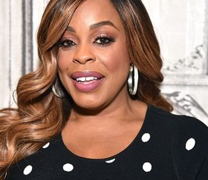Niecy Nash Height Weight Shoe Size Measurements Facts Family