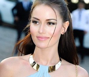 Fahriye Evcen Body Measurements Height Weight Shoe Size Family Wiki