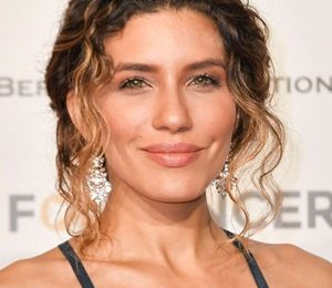 Juliana Harkavy Height Weight Shoe Size Measurements Stats Family