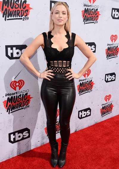 Iliza Shlesinger Height Weight Stats