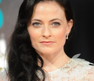 Lara Pulver Height Weight Bra Size Body Measurements Family